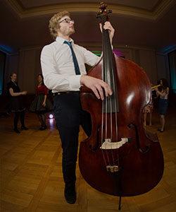 Hannes Kirchof - Bassist von retrospektiv